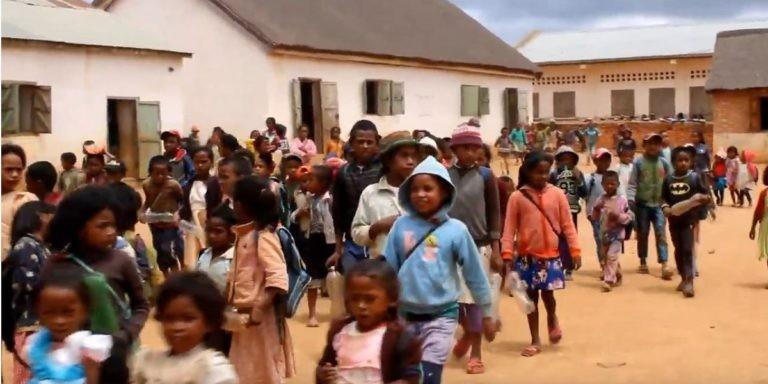 Vidéo – Cantines scolaires à Madagascar